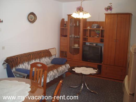 Apartments marty1 Croatia - Dalmatia - Sibenik - Zaton - apartment #133 Picture 3