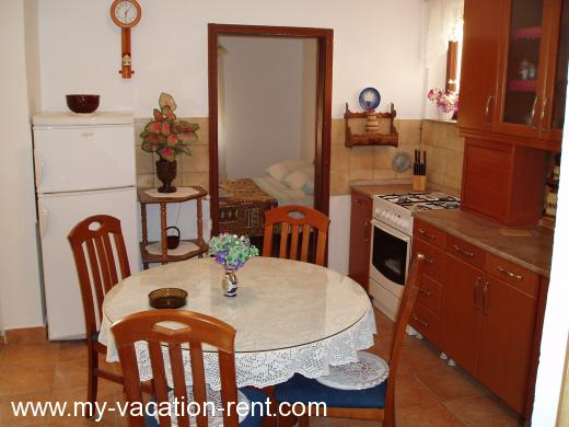 Apartments marty1 Croatia - Dalmatia - Sibenik - Zaton - apartment #133 Picture 4