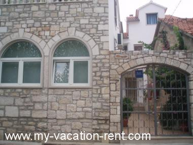 Croatia - Dalmatia - Island Brac - Supetar - apartment #1972