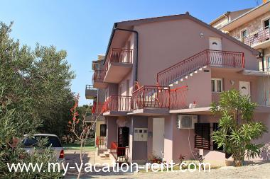 Apartments 2230  Croatia - Dalmatia - Makarska - Brela - apartment #2341 Picture 2