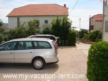 Apartments 2590  Croatia - Dalmatia - Island Murter - Murter - apartment #2566 Picture 2