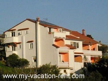 Apartments 2942 Croatia - Kvarner - Island Rab - Banjol - apartment #2804 Picture 3