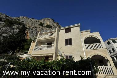 Apartments 3185  Croatia - Dalmatia - Split - Omis - apartment #2887 Picture 1