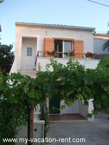 Apartment Supetar Island Brac Dalmatia Croatia #2987