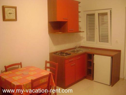 Apartments LOZOVINA Croatia - Dalmatia - Trogir - Trogir - apartment #346 Picture 4