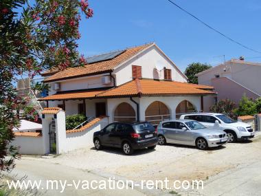 Apartments 6125 Croatia - Dalmatia - Island Pasman - Zdrelac - apartment #4498 Picture 2