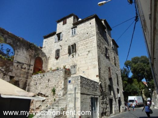Apartments IN THE PALACE Croatia - Dalmatia - Split - Split - apartment #548 Picture 1