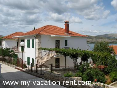 Apartments 35304 Croatia - Dalmatia - Island Ciovo - Mastrinka - apartment #5626 Picture 1