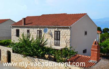 Croatia - Dalmatia - Island Brac - Supetar - apartment #5786