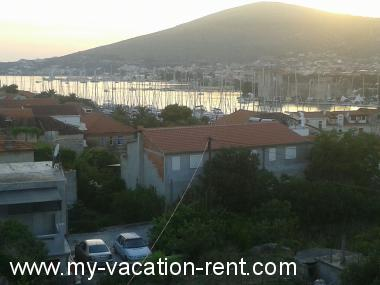 Apartments 35617  Croatia - Dalmatia - Trogir - Trogir - apartment #5848 Picture 2