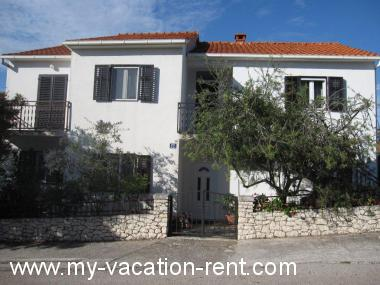 Croatia - Dalmatia - Island Brac - Supetar - apartment #5874