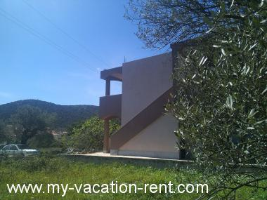 Apartments 36204 Croatia - Dalmatia - Trogir - Vinisce - apartment #6159 Picture 2