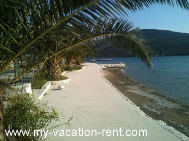 Apartments 36204 Croatia - Dalmatia - Trogir - Vinisce - apartment #6159 Picture 3