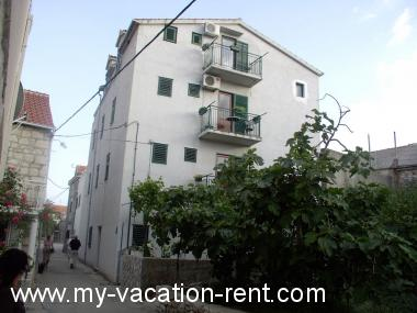 Apartments Mate Croatia - Dalmatia - Hvar Island - Sucuraj - apartment #6171 Picture 2