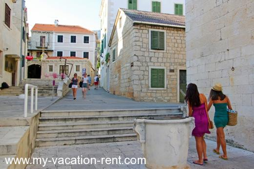 Apartments Diana Croatia - Dalmatia - Island Brac - Bol - apartment #658 Picture 7