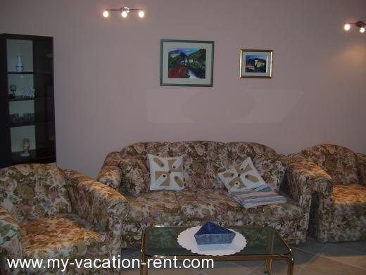Apartments Vinko Croatia - Dalmatia - Hvar Island - Jelsa - apartment #767 Picture 5