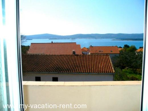 Apartments DOLAC Croatia - Dalmatia - Sv Filip i Jakov - BIOGRAD - apartment #990 Picture 4